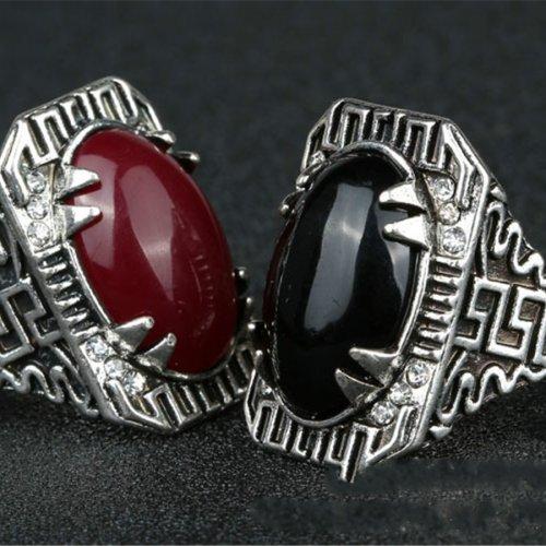 Inel din argint cu onix model aztec